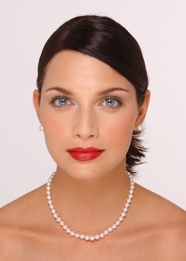 6.5 x 7mm Pearl Necklace Size On A Model